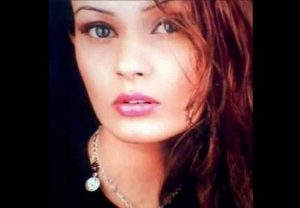 अभिनेत्री अमृता धनोआ मुंबई सेक्स रैकेट में पकड़ी गईं