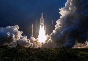 ISRO को मिली एक और सफलता, संचार उपग्रह जीसैट-30 सफलतापूर्वक लॉन्च