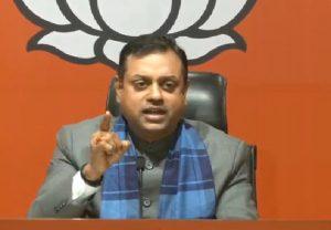 DSP देवेंद्र सिंह की गिरफ्तारी पर बढ़ा बवाल, भाजपा ने कहा- 'कांग्रेस पाकिस्तान को क्लीन चिट दे रही है'