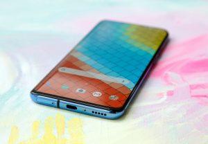 120Hz डिस्प्ले के साथ बाजार में OnePlus जल्द उतारने जा रहा है 8 Pro