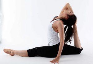 Yoga: योग करते समय होने वाली 10 गलतियां, ऐसे करें ठीक