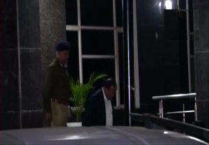 कर्फ्यू के बीच NSA अजीत डोभाल ने देर रात हिंसाग्रस्त उत्तर-पूर्वी दिल्ली का किया दौरा