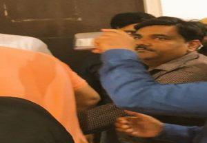 दिल्ली : आम आदमी पार्टी के पूर्व पार्षद ताहिर हुसैन ने राउज एवेन्यू कोर्ट में किया सरेंडर