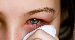 कोविड-19 : डॉक्टरों ने किया बड़ा खुलासा, आंखों के जरिए भी फैल सकता है वायरस