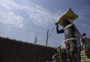 मध्य प्रदेश के मजदूरों की घर वापसी के प्रयास तेज, 98 बसों से हुई रवानगी
