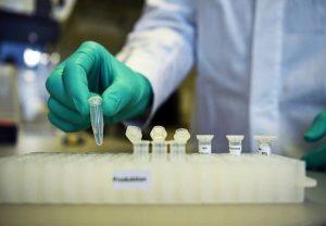 डॉक्टरों का दावा कोरोना वायरस रोगियों के उपचार के लिए मिला प्रभावी दवा मिश्रण