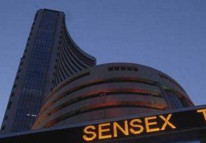 सप्ताह के पहले कारोबारी दिन गिरावट पर बंद हुई शेयर मार्केट