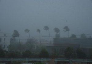 चक्रवाती तूफान एम्फन हुआ तेज, पश्चिम बंगाल और बांग्लादेश में अलर्ट जारी