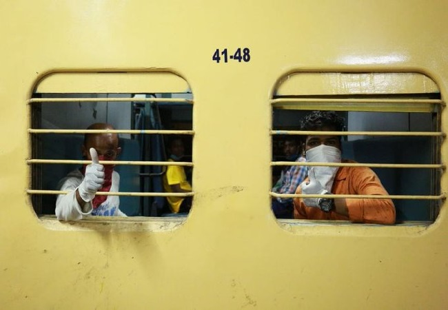 migrant workers train