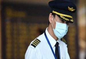 अब हवाई उड़ानों में चालक दल के सदस्य पहनेंगे पीपीई और मास्क