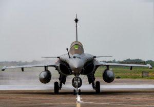 पूर्व वायुसेना प्रमुख बीएस धनोआ ने राफेल के भारत पहुंचते ही कह दी ये बड़ी बात