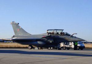 Rafale Jet : फ्रांस ने भारत को राफेल की दूसरी खेप सौंपी, चीन के J-20 पर भारी पड़ेगा ये लड़ाकू विमान