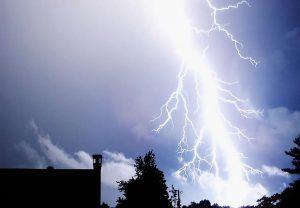 बिहार में फिर टूटा आकाशीय बिजली का कहर, 15 लोगों की मौत