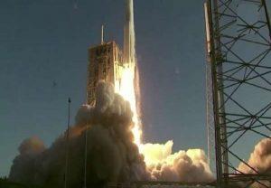 नासा का 'मार्स 2020' मिशन लॉन्च, अब तक का सबसे बड़ा रोवर रवाना