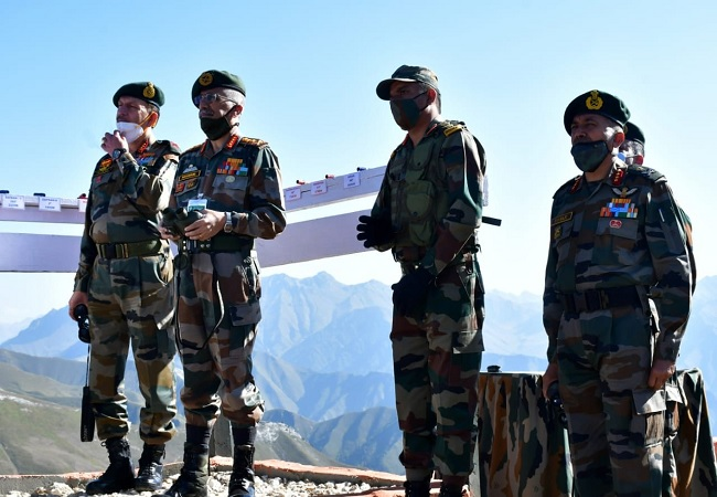 Army Chief General MM Naravane visited Chinar Corps