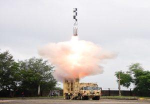 भारत ने किया ब्रह्मोस मिसाइल का सफल परीक्षण, रक्षामंत्री राजनाथ सिंह ने दी बधाई