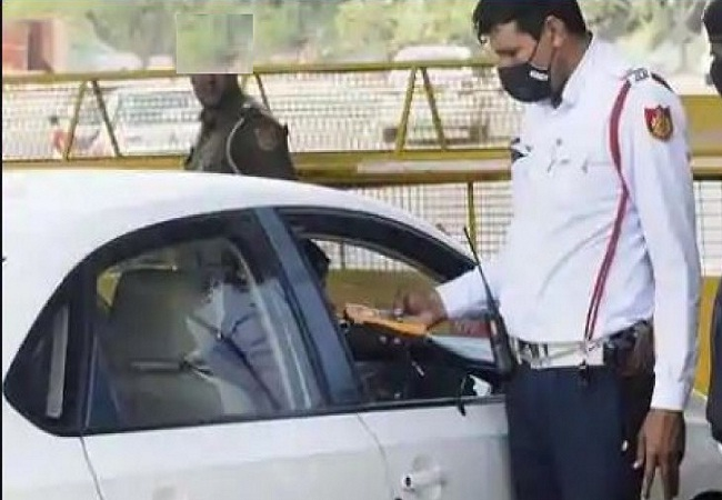 Delhi Police Without wearing mask challan