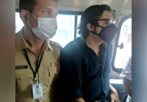 अर्नब की गिरफ्तारी को लेकर SC सख्त, महाराष्ट्र सरकार पर की ये तल्ख टिप्पणी, मांगा जवाब