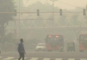 Air Pollution: आज भी प्रदूषण का स्तर पहुंचा गंभीर श्रेणी में, विजिबिलिटी हुई बहुत कम