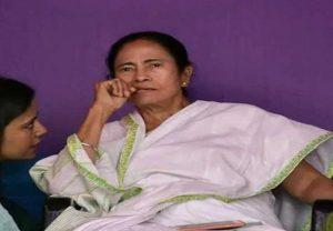 West Bengal: विधानसभा चुनाव से पहले ममता बनर्जी को लगा चौथा झटका, जानिए अब किसने बढ़ाई टेंशन