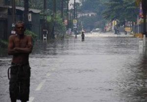 Monsoon Healthy Diet: मानसून में बीमारियों से बचना है तो खाएं ये चीजें